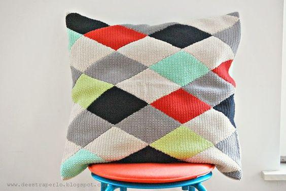 De Estraperlo: My crochet diamonds pillow