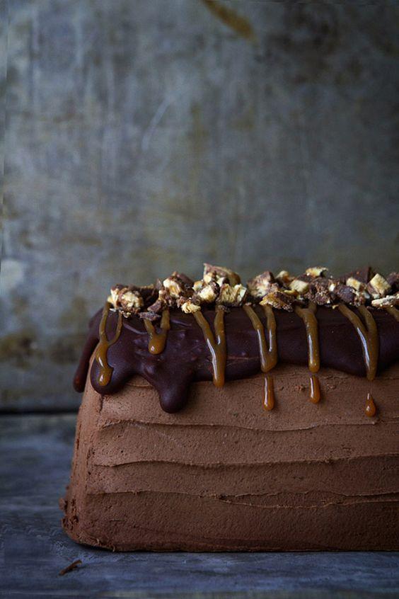 DIY Snickers Semifreddo Cake Recipe
