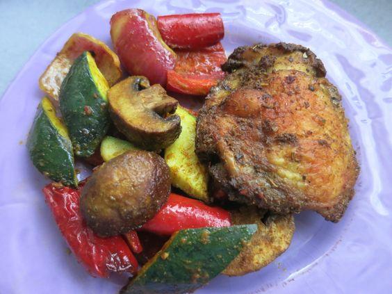 Low Carb Rezepte von Happy Carb: Hähnchenkeule auf Röstgemüse - Hier mein Favorit, wenn ich keine Lust darauf habe lange in der Küche zu stehen.