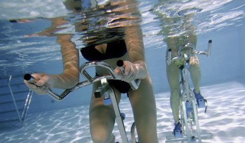 A fun and effective workout!! Aquaspinning: