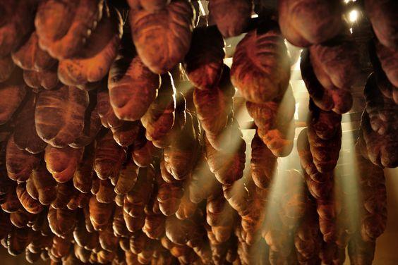 OPG Petar Dobrovac iz Kneževih Vinograda #baranja #hrvatska #knezevi #vinogradi #croatia #food #delicacy #hot #pepper #kulen #opg #pero