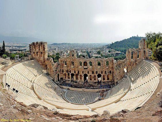 più belli al mondo è del quotidiano britannico The Indipendent.Odeon diErode Attico Atene