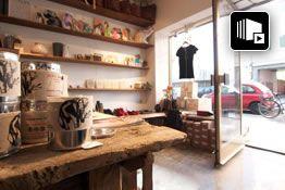 DearGoods ist ein Concept Store für Mode und Lifestyle mit dreifach freundlichen Produkten: Vegan, Fair Trade und Bio (Mode, schicke Schuhe, ungewöhnliche Taschen, originelle Accessoires und Lifestyleprodukte) - tierfreundlich, menschenfreundlich und umweltfreundlich. 2x in München: Baldestraße 13 und Baaderstraße 65 und 1x in Berlin.