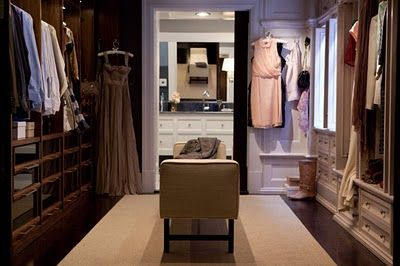 Carrie's 'married' closet