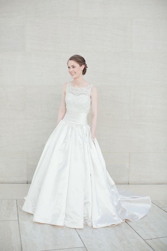 Wedding Dresses with pockets | itakeyou.co.uk | Photography: Sarah Kate Photography - sarahkatephoto.com