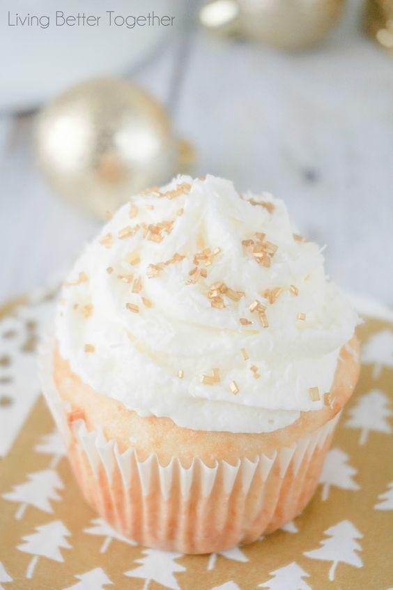 easy mini cheesecake | no-bake mini cheesecake | mini cheesecake with graham cracker crust | tin muffin mini cheesecake | Philadelphia mini cheesecakes | keto mini cheesecakes | mini cheesecakes for wedding | mini cheesecakes with vanilla wafers | oreo mini cheesecakes | mini cheesecakes with Oreos | strawberry mini cheesecake | mini cheesecake recipes | chocolate mini cheesecake | mini cheesecake bites