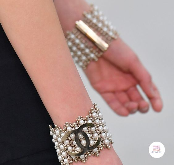 Chanel Cruise 2020 logo accessory