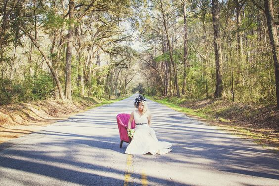 428 Main Vintage Rentals - Rose Chairs (photography by ClickChick Photography)