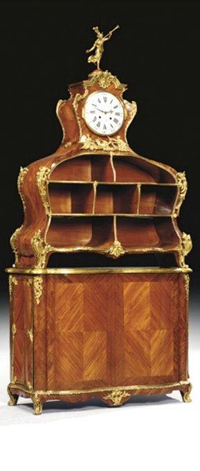 CARTONNIER D'EPOQUE LOUIS XV LA PENDULE SIGNEE PAR GILLE L'AINE  En placage de…