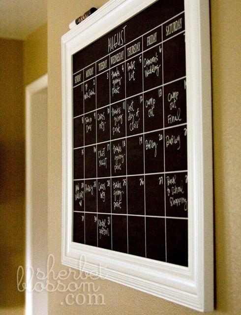 Diy Calendar Board : Love this calendar need to make one with a diy