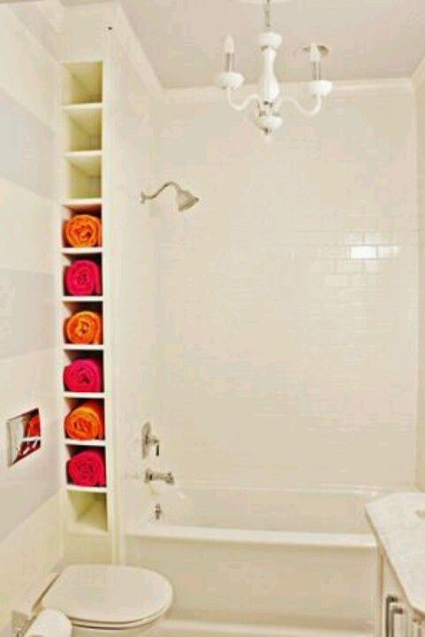 10 ways to creatively add storage to your bathroom serviettes cuisini res appareil et for Range serviette salle de bain