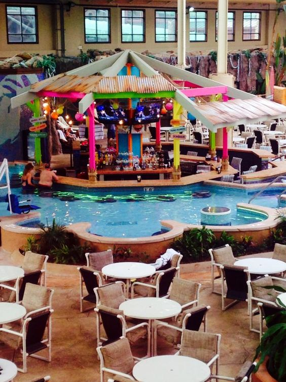 Best ideas about wisconsin waterpark hotel wisconsin and for Dells wilderness cabin