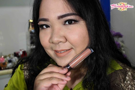Wearing Ultimate Lip Cream MOB Cosmetic - Bare With Me