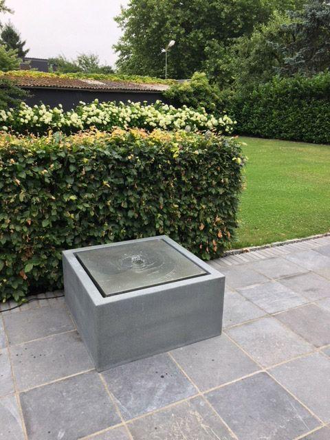 Moderner Wassertisch Aus Zink Als Terrassenbrunnen Slink Ideen Mit Wasser Terrassenbrunnen Gartenbrunnen Moderner Garten