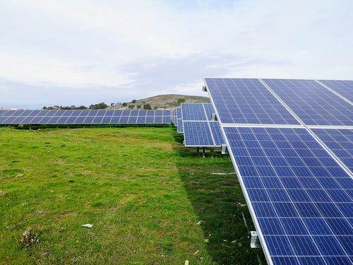 27 Solar Panel Pictures Download Free Images On Unsplash Solar Panels Solar Solar Energy