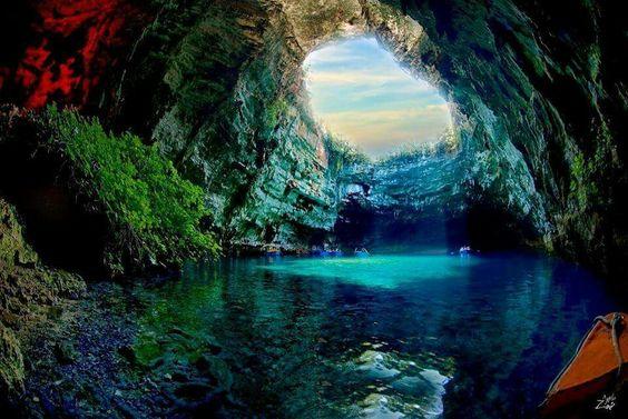 Cave de melissani, Grèce