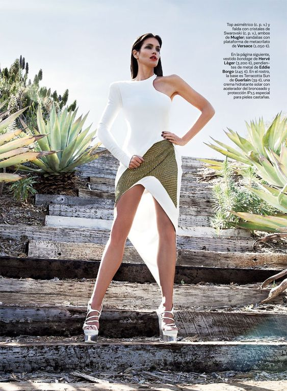 Dress: HERVE LEGER. Cindy Crawford is A Glamazon in S Modas June Cover Shoot, Shot by Alan Gelati