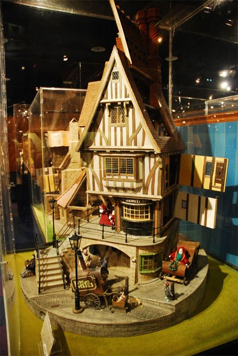Miniature-Museum-Victorian-House