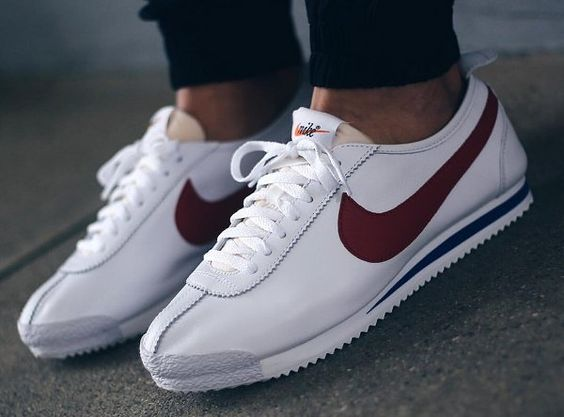 Nike Cortez Rouge Porte