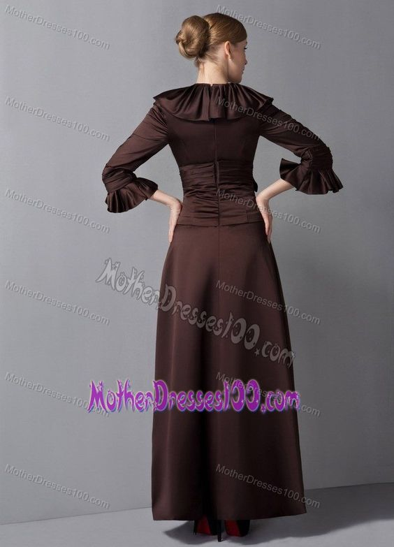 Brown Long Mother of the Groom Dress with Flounced V-neck and 3/4 Sleeves
