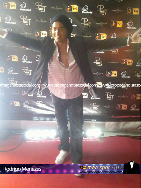 Rodrigo Menezes. Todas as fotos em: http://propagandistasocial.com/festaveraotvi2012