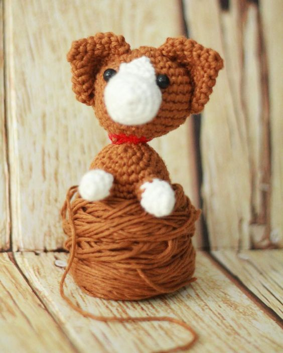 Corgi  #amigurumi #crochet #crochetdoll #crochetlove #jualbenangrajutonline #jualbenangrajut #jualbenangkatun #handmade #bagcharm #crochetyarn #bonekarajut by joiecraft