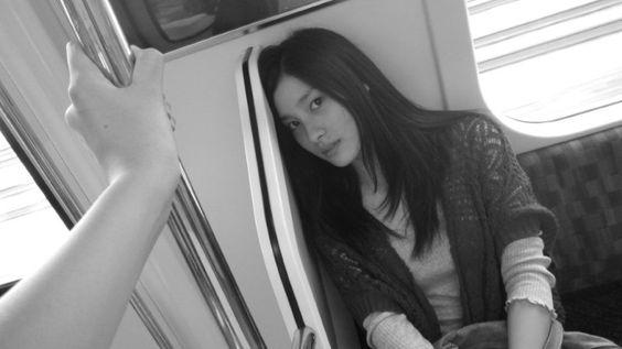 電車の中の土屋太鳳