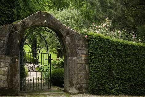 Entr e jardin portail et portillon pinterest jardins for Portail entree jardin