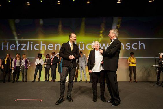 Große Bühne für SUPERVISOR Erna Schmitt im Forum der Messe Frankfurt am Main.