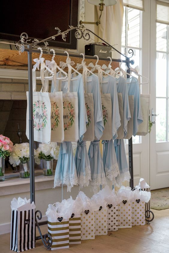 Bridesmaid gift ideas. Robes from @plumprettysugar.: