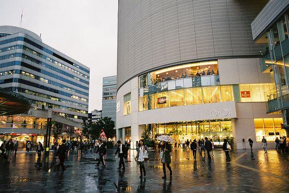 FM2_Ginza_20100927_02 by Jun Takeuchi, via Flickr