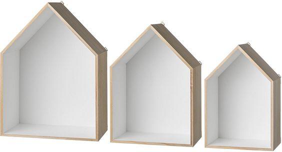 Dieses 3-teilige Regal Set der Marke Bloomingville eignet sich hervorragend für tolle individuelle Wanddekorationen. Durch verschiedene Anordnung der Wandregale können Sie jedem Raum eine persönliche Note verleihen. Die Regale im skandinavischen Design sind aus Holz gefertigt und die Rücken- sowie Seitenwände weiß bemalt (komplett). Die Rahmen in Haus Form haben die Maße (B/T/H) 35/20,5/47,5 cm...
