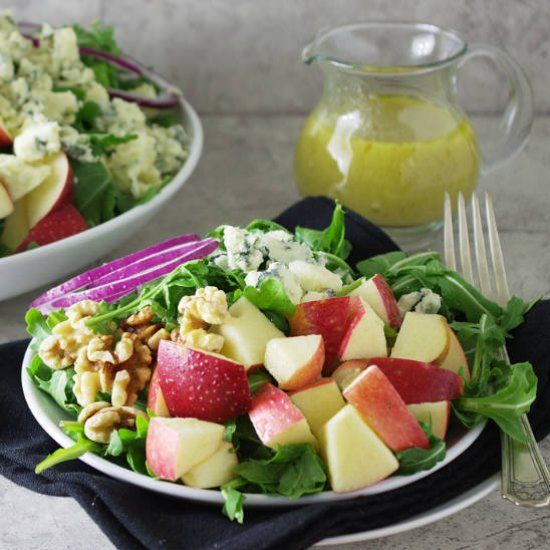Apple and arugula salad with gorgonzola cheese