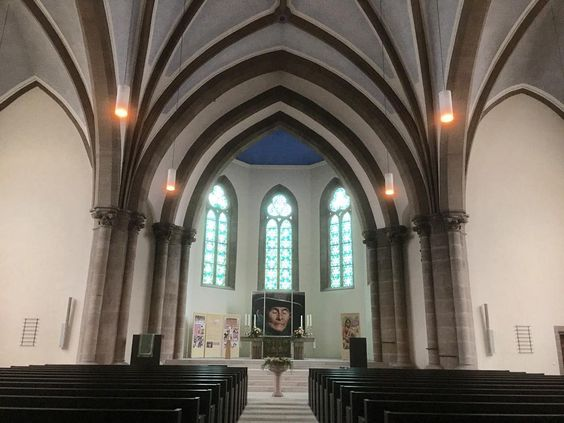 Lines of #symmetry and a little pew #perspective in #Fulda #Evangelical #Church today. #architecture #design #religion #christianity #christian #history #culture #arch #travel #tourism #tourist #Hesse #IgersFulda #Germany #Deutschland #ontour #life #explore #seetheworld