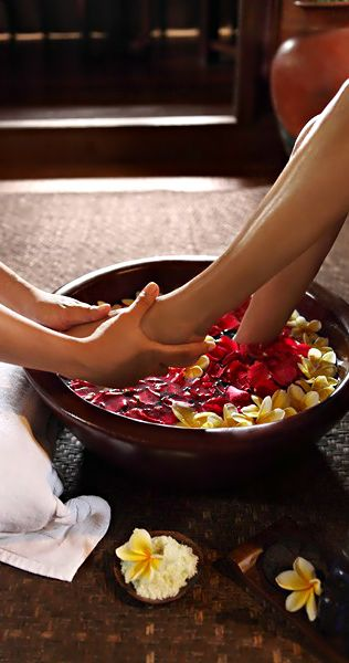 ♛$...Luxury Lifestyle...$♛ A relaxing foot massage at the Spa of the Warwick ibah Bali: