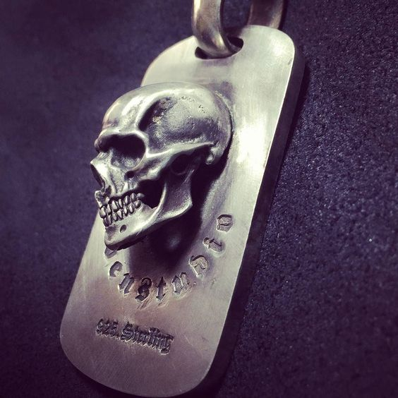 #hand #carved #skulls #pendant #necklace #handmade #and #engraved #sterlingsilver925 #skullpendant #skullnecklace #jewelry #by #RavenStudio. #amazing #awesome #gift #for #mens #mensfashion #boy #boyfriend #friends #like4like #followme