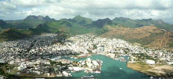 , Port Louis,capital de  Mauricio visto desde arriba -AFRICA