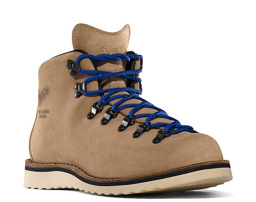 Danner Mountain Light 821 http://www.danner.com/boots/mountain ...