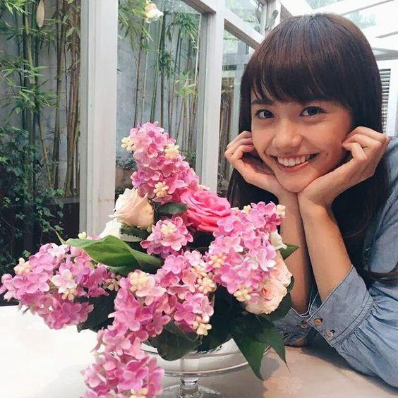お花のようにカワイイ松井愛莉