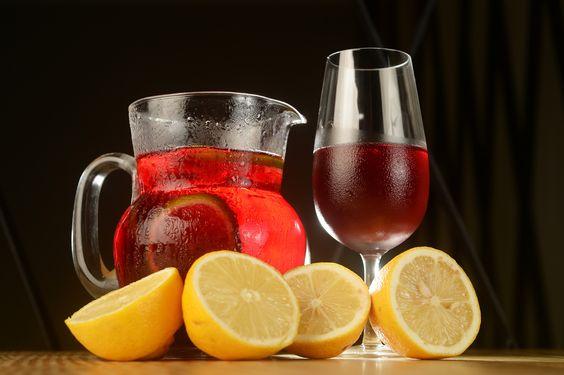 Vinho Tinto com Refrigerante de Limão: Tinto de Verano, super popular nos litorais da Espanha!