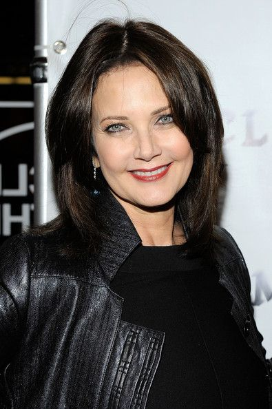 Lynda Carter has said she's happy to be associated with the empowering character she played on television, Wonder Woman, but the Arizona native is also an accomplished vocalist (her album At Last hit #10 on the jazz charts in 2009). When asked about her beauty regime, Carter told The Budget Fashionista that she keeps an aloe vera plant in her bathroom to help heal her skin from sun damage.
