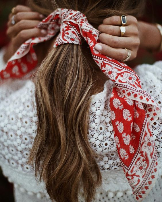 "JULIE SARIÑANA (@sincerelyjules) on Instagram: ""A little bandana love. ❤️"""