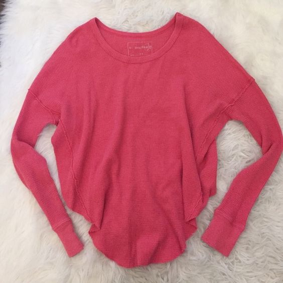 Long sleeve Free People thermal! Scoop neck, waffle fabric FP top! Super cute off the shoulder  Free People Tops Tees - Long Sleeve