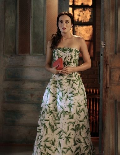 Leighton Meester wearing Oscar de la Renta Spring Summer 2011 Ready-to-Wear Greenwhite Dress.