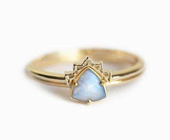 Gold Mondstein Ring Mondstein Ehering Verlobungsring von MinimalVS