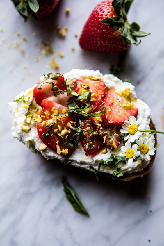 Getting bored with the butter on toast morning routine? @hbharvest shares six toast ideas sure to shake up any meal or snack. Click link in bio for the recipes!