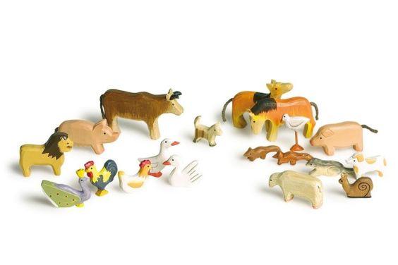 20 handpainted Wooden Animals £20.50