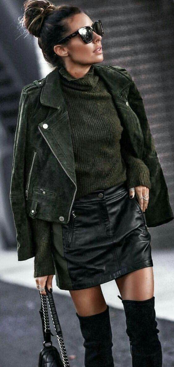 giacca di pelle nera donna con gonna