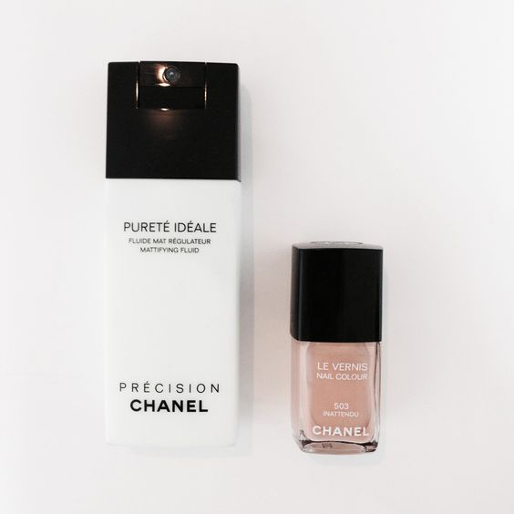 Purete-Ideale-Fluide-Regulateur-Chanel-Vernis-nude-Chanel  Blog : The-Black-Feather.com Instagram : @lydiamarceau