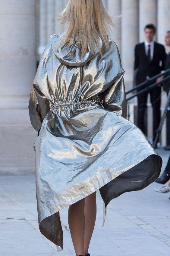 Ezüst kabát